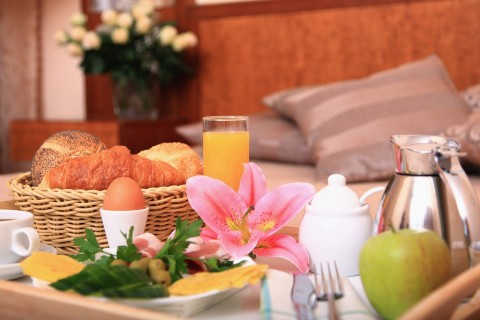 Booking a Bed and Breakfast in Warrington Tips for a Romantic Getaway